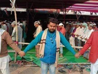 Beginilah Umat Hindu Lindungi Muslim Sholat Jumat Pasca Rusuh di New Delhi