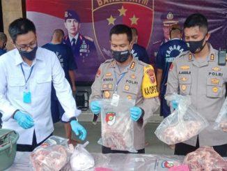 Daging Babi Dijual Bebas sebagai Daging Sapi di Pasar Bandung