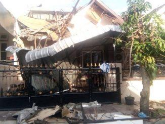 Rumah di Cemara Asri Sumut Ambruk Terkena Ledakan
